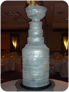 Stanley cup wedding cake!!