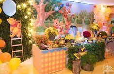 Ursinho Aviador para o Theo!! 🐻 #liviamartinsfestas Registro lindo por @deborasantaluciafotografia Winne The Pooh, Winnie The Pooh Birthday, Disney Winnie The Pooh, 1st Birthday Party Themes, 1st Boy Birthday, Birthday Decorations, Winnie Phoo, Creative Wall Painting, Toddler Dolls