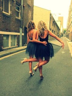 Cute idea for best friend prom shot!  After all the back of the dress is so important.