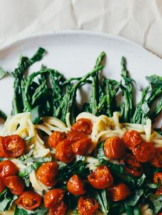 Garlic Lemon Herb Fettuccine Alfredo Recipe + Asparagus + Roasted Grape Tomatoes #vegan #dinner