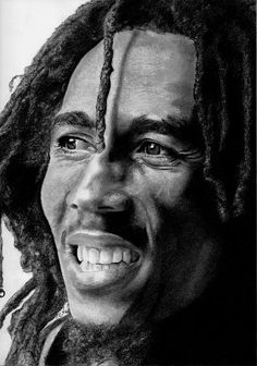 Bob Marley // Corinne's portraits charcoal black chalk pencil