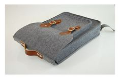 Felt Laptop 17 inch vertical backpack with pocket, satchel, Macbook Pro 17 in, CUSTOM SIZE Laptop bag, with leather straps and belt shoulder...