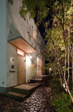A top fix window Entrance Gates, House Entrance, Japan Modern House, Concrete Steps, Japanese House, Outdoor Life, Interior Architecture, House Design, Window
