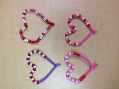 Valentine bead patterns with pipe cleaners. Preschool / kindergarten math concepts