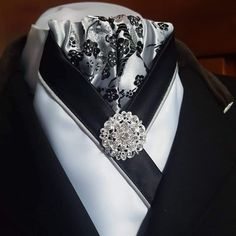 Grey and black blossom brocade centre with black and white crossovers finished with grey piping and a brooch. Equestrian Fashion, Equestrian Style, Mens Hottest Fashion, Mens Fashion, Cravat Tie, Pocket Squares, Bowties, Neckties, Tack