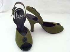 Vintage 1950's Velvet Step Open Toe Sling Shoe Heel Pumps Vintage Shoes, Vintage Style, Vintage Outfits, Vintage Items, Vintage Fashion, Retro Clothing, Clothing Styles, Shoes Heels Pumps, High Heels