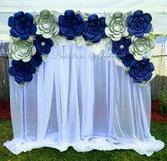 Paper Flower Backdrop Wedding, Paper Flower Decor, Flower Decorations, Paper Flowers, Simple Wedding Reception, Wedding Reception Venues, Simple Weddings, Blue Wedding, Ideas Para Fiestas