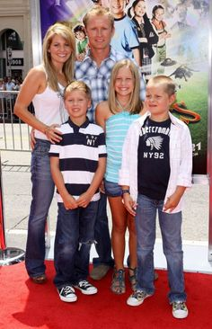 Candace Cameron & Family Hit The Red Carpet - Candace Cameron Bure Family, Candice Cameron Bure, Famous Celebrities, Celebs, Candance Cameron, Full House Tv Show, Celebrity Siblings, Ol Days, Three Kids
