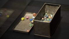 Marbles that belonged to Holocaust victim Anne Frank have turned up over seventy years after she gave them to a friend for safekeeping before she and her family went into hiding. Unexplained Mysteries, Jewish Museum, Anne Frank, Vintage Glassware, My Idol, Amsterdam, Marbles, Wwii