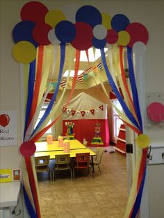 Bildergebnis für kindergarten ideen turnen - picture for you Decoration Creche, Class Decoration, School Decorations, Birthday Decorations, Circus Decorations, Carnival Birthday Parties, Circus Birthday, Circus Party, Rainbow Birthday