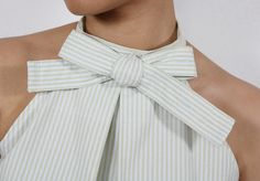 I spotted this designer top by Ulla Johnson recently and when I saw the inverted pleat, I instantly thought back to the men's dress shirt. Sewing Clothes, Diy Clothes, Clothes Refashion, Men's Shirt Refashion, Diy Halter Top, Halter Neck, Faux Roman Shades, Dress Sewing Patterns, Couture