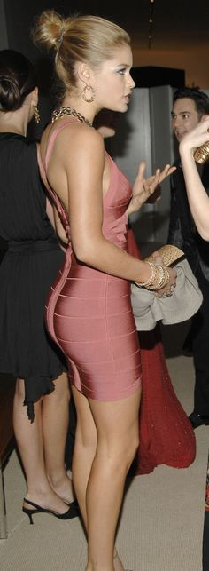 Doutzen Kroes wearing Hervé Léger dress #gorgeous