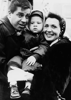 Jerry Lewis and wife Patti with their son Scott Anthony in London on April 18, 1958.