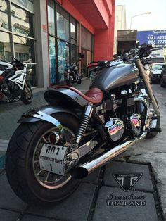Triumph Speedmaster 2005 bobber/custom, another one from
