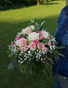 Svadobná kytica z ruží. #wedding #weddingbouquet #bouquet #roses #svadobnakytica #svadobnyden #slovakia Plants, Wedding, Fashion, Flower Arrangements, Casamento, Moda, La Mode, Flora, Weddings
