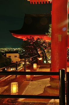Kiyomizu-Dera with lightened up in summer night (Kyoto) / 夏の夜の清水寺(京都)