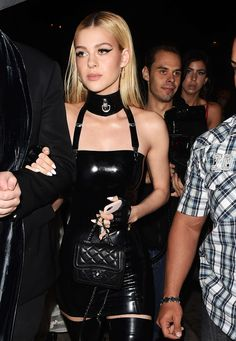 Nicola Peltz – Just Jared's Annual Halloween Party in Los Angeles 2016 Fetish Fashion, Latex Fashion, 90s Fashion, Girl Fashion, Fashion Outfits, Womens Fashion, Blonde Makeup, Sexy Latex, Beautiful Outfits