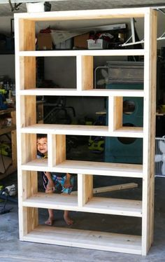 Tutorial and free plans on how to build a DIY rustic bookshelf with crates and reclaimed pallets