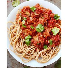 Lentil Bolognaise Adapted by feedfeed from @aleexgold:<br> <br> Recipe:<br> <br> Serves 4<br> <br>  1 cup red lentils…
