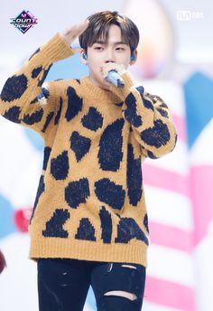 Hyun Suk, South Korean Boy Band, Yoshi, Boy Bands, Christmas Sweaters, Finding Yourself, Men Sweater, Fandom, Pullover
