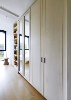 Lemari pakaian # Lemari pakaian minimalis # Desain lemari pakaian  www.zenoliving.com
