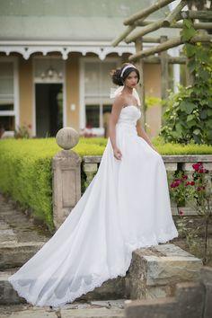 Jeannelle La Amour Bridal Collection 2015 | SouthBound Bride | http://www.southboundbride.com/casey-jeannes-jeannelle-la-amour-collection | Credit: Casey Jeanne // Alexis Diack