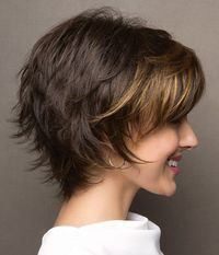 Frisur Ideen 10 einfache Pixie Haircut Styles & Farbideen Picture frames are another example of wedd Short Layered Haircuts, Short Hairstyles For Women, Bob Hairstyles, Layered Hairstyles, Bob Haircuts, Short Hair Cuts For Women Easy, Long Pixie Haircuts, Wedding Hairstyles, Teenage Hairstyles