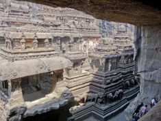 99 WOW: Is it Iram of the Pillars?هل هي إرم ذات العماد؟ Iram Of The Pillars, Ajanta Caves, Ancient Art, Art And Architecture, The Good Place, City Photo, Around The Worlds, Cliff, Temples