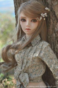 dollshousedropin: Ninon (by Ribbonfiend)