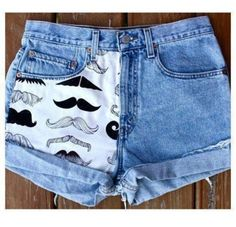 """""""Mustache You a Question"""" shorts- this website is the best! They have the cutest handmade shorts made from vintage denim at an affordable price! Denim Shorts Outfit Summer, Cute Shorts, Summer Outfits, Cute Outfits, Summer Wear, Summer Clothes, Jean Shorts, Diy Pantalones Cortos, Como Fazer Short"""