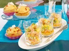Gartenparty – die besten Ideen für leckeres Fingerfood  - polenta-muffins-garnelen-gurken-salat  Rezept