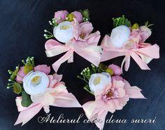 Weeding Weeding, Floral Wreath, Wreaths, Home Decor, Grass, Floral Crown, Decoration Home, Weed Control, Door Wreaths