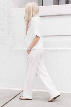 0d3a668847741 Figtny in all white Classic White