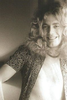 Robert Plant of Led Zeppelin Great Bands, Cool Bands, Robert Plant Led Zeppelin, John Bonham, John Paul Jones, I Robert, Jimmy Page, Role Models, Rock N Roll
