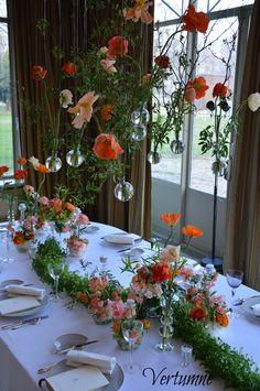 Wedding Floral Inspiration by #Vertumne ! Please contact us : www.atelier-vertumne.fr #floraldesign #ateliervertumne #orangedesign #flowers #floraldesigner