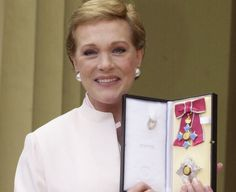 In Andrews was made a Dame Commander of the Order of the British Empire by Queen Elizabeth II, for services to the performing arts. Julie Andrews Children, Julie Andrews Movies, Julia And Julie, Diary Movie, In Your Honor, Eartha Kitt, Angela Lansbury, Judi Dench, Bbc America