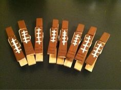 Paint clothespins to look like footballs for your food labels. : Paint clothespins to look like footballs for your food labels. Football Banquet, Football Tailgate, Football Birthday, Football Season, College Football, Football Food, Football Bags, Tailgate Games, Alabama Football