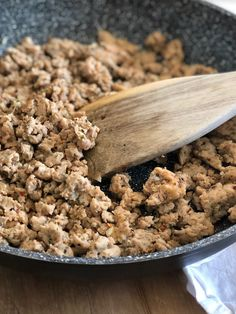 Can't find a lower sodium Italian Chicken or Turkey Sausage for the 21 Day Fix? Read on to find out How to Make Homemade Italian Sausage with Ground Chicken or Turkey! So, so easy! This also freezes great cooked or uncooked! 21 Day Fix Approved Ground Turkey And Sausage Recipe, Homemade Turkey Sausage, Chicken Sausage Recipes, Ground Turkey Recipes, Italian Sausage Seasoning, Italian Chicken Sausage, Italian Sausage Recipes, Homemade Spices, Ww Recipes