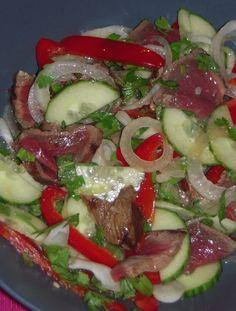 """750g vous propose la recette """"Salade de boeuf à la Thaïlandaise"""" notée 4/5 par 4 votants."""