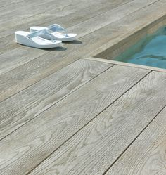 Millboard Composite Decking is inspired by nature, designed for living. Virtually maintenance free, Millboard represents the next generation in composite decking. My Pool, Swimming Pools Backyard, Pool Landscaping, Wood Pool Deck, Timber Deck, Decks Around Pools, Pool Decks, Composite Flooring, Composite Decking