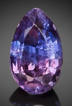 cool Vibrant BiColor Purple and Blue Sapphire #Gemstones #Sapphire #Jewelry...