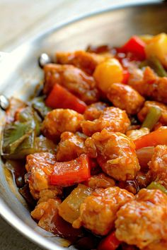 Sweet and Sour Pork - Bunny's Warm Oven Chicken Recipes With Tomatoes, Chicken Wing Recipes, Pork Recipes, Asian Recipes, Cooking Recipes, Chinese Recipes, Recipies, Savoury Recipes, Noodle Recipes