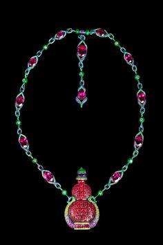 Wallace Chan – L' artista scultore e gioielliere in una speciale intervista Jade Jewelry, High Jewelry, Photo Jewelry, Luxury Jewelry, Modern Jewelry, Unique Jewelry, Jewelry Design, Wallace Chan, Indian Jewelry