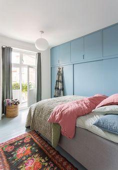 A serene bedroom makes for sweet dreams- design addict mom Serene Bedroom, Cosy Bedroom, Master Bedroom, Bedroom Corner, Garderobe Design, College Bedroom Decor, Home Interior, Interior Design, Gravity Home