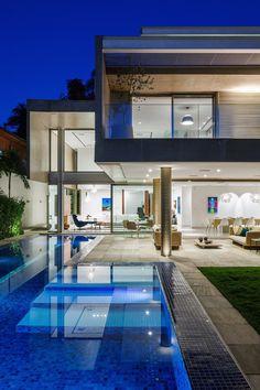 Refreshing Brazilian Home by Reinach Mendonça Arquitetos Associados