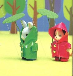 Sylvanian Families Raincoat and Leaf Umbrella Sewing Pattern PDF Japanese Coat Pattern Sewing, Sewing Patterns, Knitting Projects, Sewing Projects, Family Crafts, Little Critter, Plush Pattern, Doll Crafts, Miniture Things