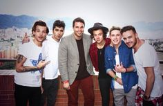 One Direction with an interviewer in Colombia 25.04.2014