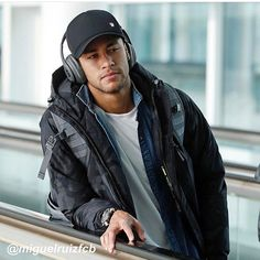 In which a girl moves to Barcelona with her best friend and ends up spending a heck of a lot of time with the one and only Neymar Jr. Alexander Arnold, Cristiano Ronaldo, Cr7 Ronaldo, Best Football Skills, Football Mondial, Neymar Jr Wallpapers, Neymar Psg, Neymar Brazil, Neymar Football