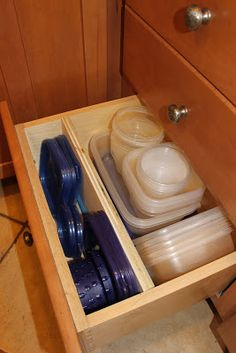 build a divider for tupperware lids
