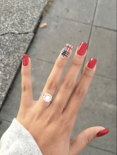 Want some ideas for wedding nail polish designs? This article is a collection of our favorite nail polish designs for your special day. Read for inspiration Gradient Nails, Red Acrylic Nails, Holographic Nails, Red Nails, Stiletto Nails, Ombre Nail, Solid Color Nails, Nail Colors, Bridal Nails